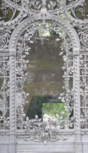 Graue Tür